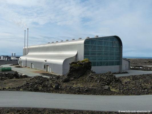 Island - Reykjanes - Geothermalkraftwerk bei Gunnuhver
