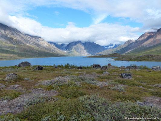 Grönland - Wanderung von Tasiusaq nach Nuugaarsuk - Blick auf den See Tasersuaq