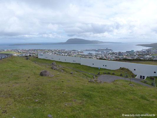 Färöer Inseln - Streymoy - Straße 10 - Blick auf Tórshavn