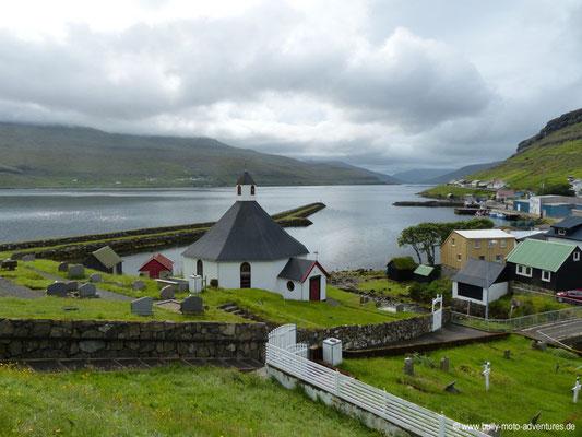 Färöer Inseln - Streymoy - Kirche in Haldarsvík