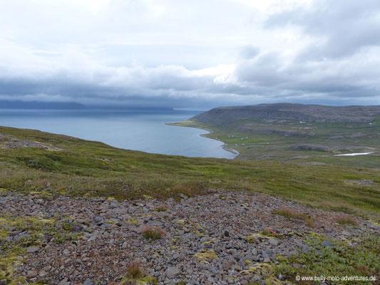 Island - Hornstrandir - Etappe 4 - Hlöðuvík nach Hesteyri - Blick auf Hesteyri