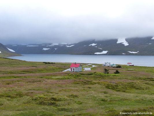 Island - Hornstrandir - Etappe 6 - Hesteyri über Látravík nach Hesteyri - Blick auf Hesteyri
