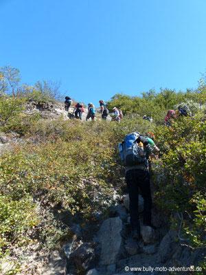 Grönland - Beschwerlicher Aufstieg am Ende des Tals der tausend Blumen