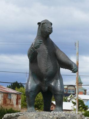 Chile - Puerto Natales - Monumento al Milodón