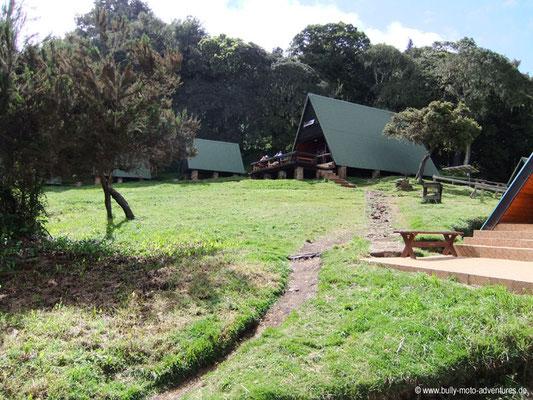 Tansania - Besteigung des Kilimanjaro - Marangu Route - Blick auf die Mandara Huts