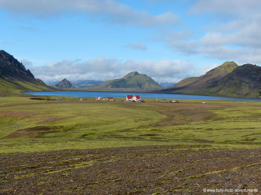 Island - Laugavegur - Etappe 3 - Álftavatn nach Emstrur - Blick auf Álftavatn und Zeltplatz