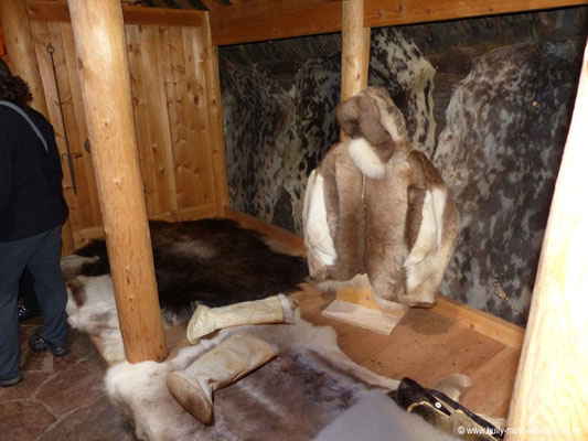 Grönland - Brattahlíð - Langhaus-Rekonstruktion - Kleidung der Inuit
