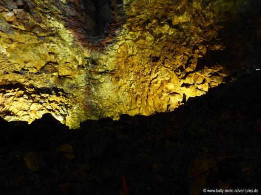 Island - Inside the Volcano