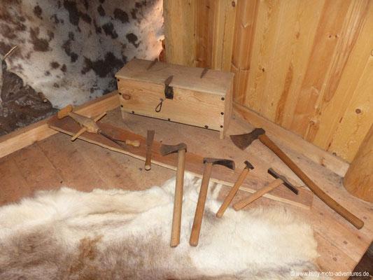 Grönland - Brattahlíð - Langhaus-Rekonstruktion - Werkzeuge