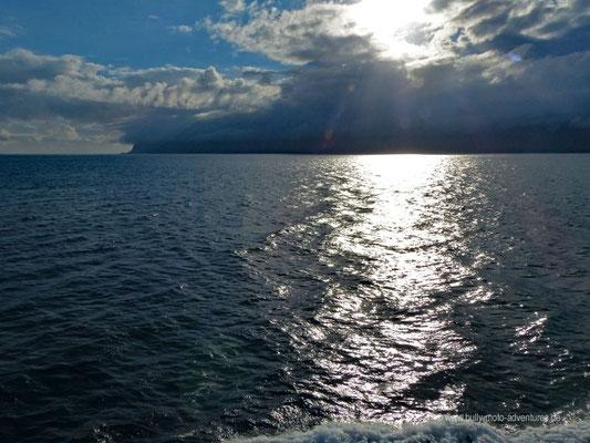 Norwegen - Fährüberfahrt zu den Lofoten - Blick auf die Lofoten
