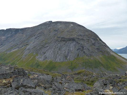 Grönland - Blick auf den Berg Suikkassuaq (ca. 1535 m hoch)