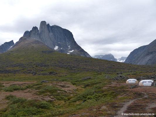 Grönland - Zeltcamp im Tasermiut Fjord am Fuße des Bergs Ulamertorsuaq