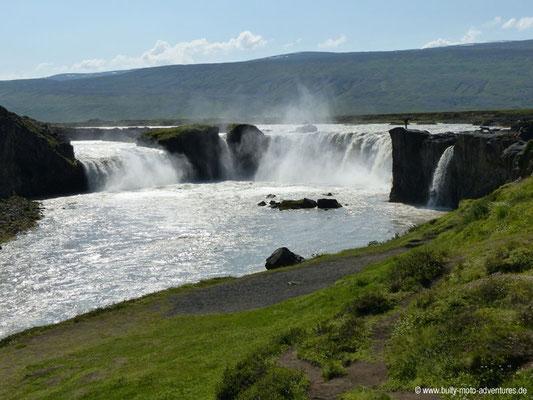 Island - Wasserfall Goðafoss