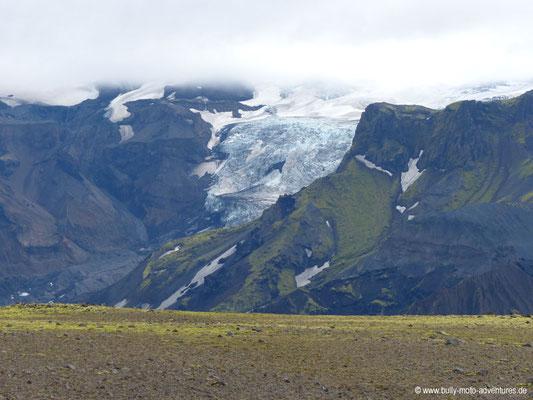 Island - Fimmvörðuháls - Blick auf Gletscher