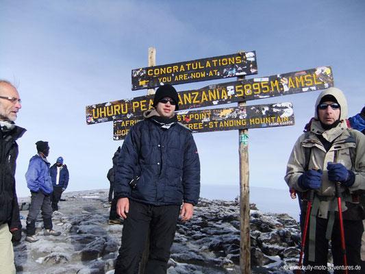 Tansania - Besteigung des Kilimanjaro - Marangu Route - Gipfelfoto - Uhuru Peak