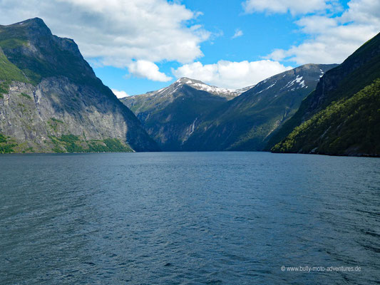 Norwegen - Fährfahrt auf dem Geirangerfjord