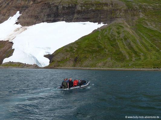 Island - Hornstrandir - Übersetzen mit dem Schlauchboot