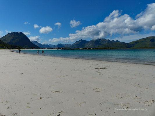 Norwegen - Straße E10 - Landschaftsroute Lofoten - Strand in Ramberg