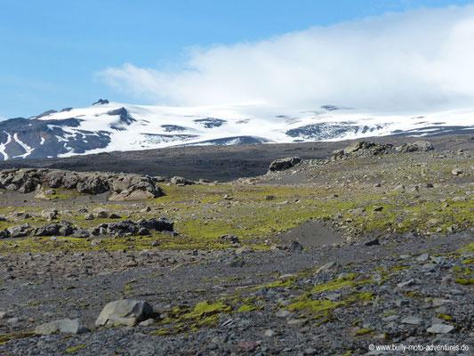 Island - Fimmvörðuháls - Etappe 2 - Fimmvörðuskáli nach Skógafoss - Blick auf Eyjafjallajökull