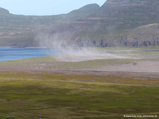 Island - Hornstrandir - Etappe 1 - Veiðileysufjörður nach Hornvík - Sandsturm in Hornvík