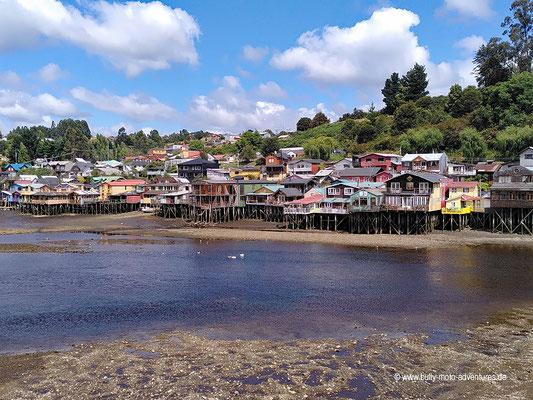 Chile - Pfahlbauten in Castro auf der Insel Chiloé