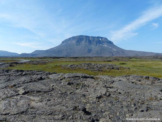 Island - Straße F88 - Öskjuleið - Blick auf Herðubreið
