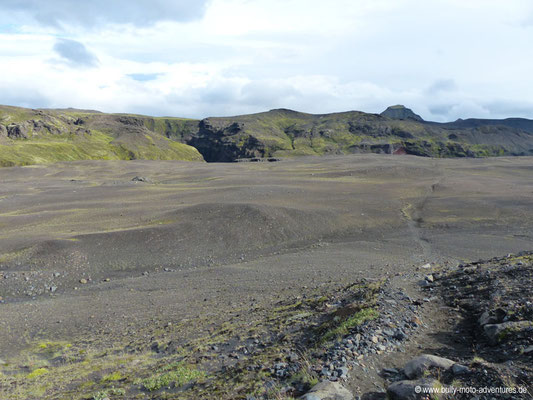 Island - Laugavegur - karge Landschaft