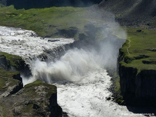 Island - Wasserfall Hafragilsfoss