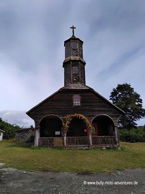 Chile - Insel Chiloé - Holzkirche in Colo