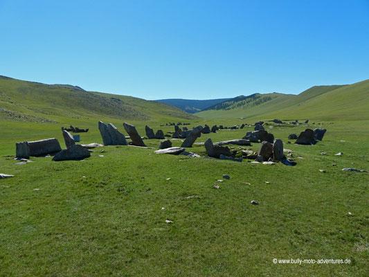 Mongolei - Grabstätte Teemen Chuluu im Orkhon-Tal