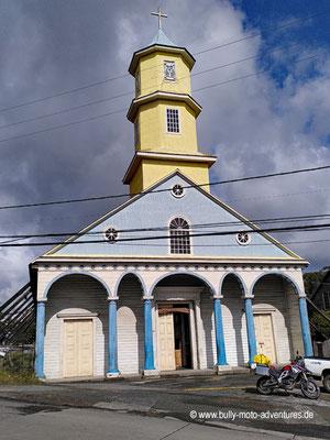 Chile - Insel Chiloé - Chonchi - Holzkirche in Chonchi