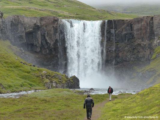 Island - Wasserfall Gufufoss an der Straße 93