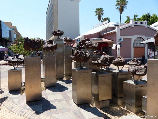 Namibia - Windhoek - Meteoriten-Brunnen