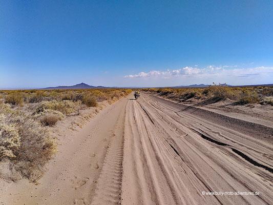 Argentinien - Straße 180 südlich von El Nihuil - Kupplungschaden