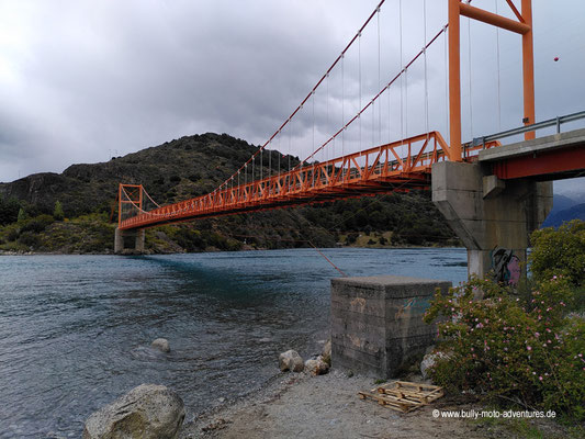 Chile - Brücke an der Verbindung von Lago General Carrera und Lago Bertrand