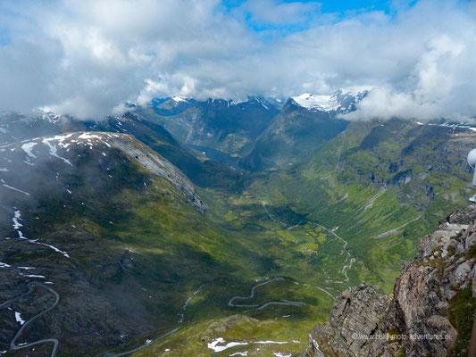 Norwegen - Straße 63 - Landschaftsroute Geiranger-Trollstigen - Aussichtspunkt Dalsnibba - Blick auf den Geiranger Fjord