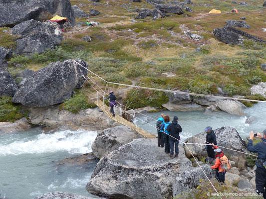 Grönland - Tasermiut Fjord - abenteuerliche Überquerung eines Flusses