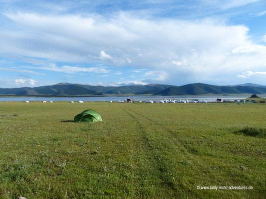 Mongolei - Zelten am See Terkiin Tsagaan Nuur