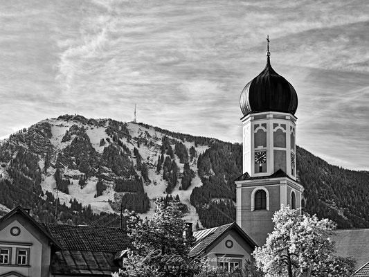 Kirche Rettenberg vor dem Grünten