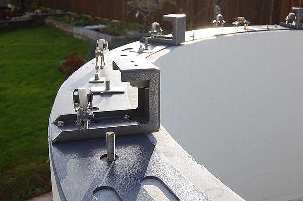 Plasseringen av 16 mm -boltene er nøye tilpasset hullene i ringen.