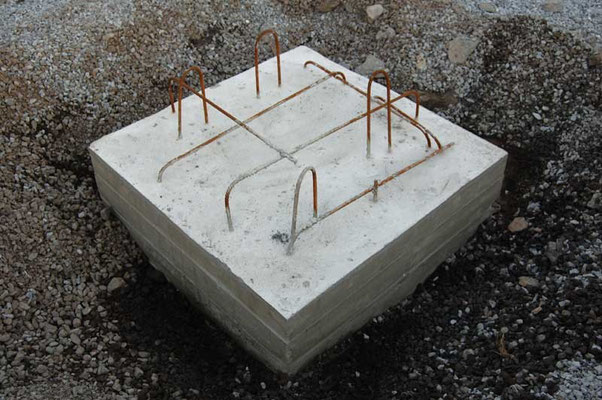 Telescope pier base, 300 liters, cast onto crystalline bedrock. Surface slightly more than one square meter.