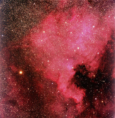 NGC 7000. Dato: 5.sept 2016, Lok: Rennesøy, Teleskop: Esprit 120 ED, Kamera: Apogee Alta U16M, Montering: ASA DDM160, Eksponering: LRGB 6/6/6/6 min, Fotofeltet er ca 2,5 x 2,5 grader.
