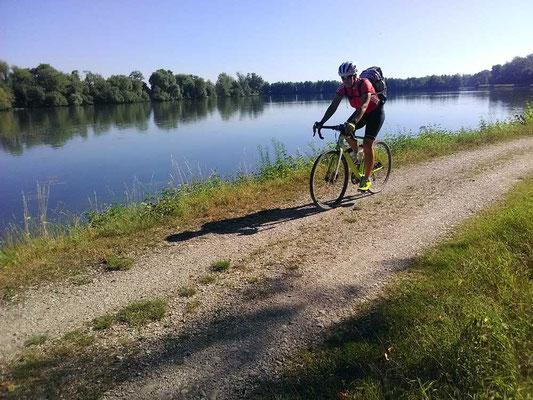 Mit dem Gravelbike Trek auf dem Donauradweg