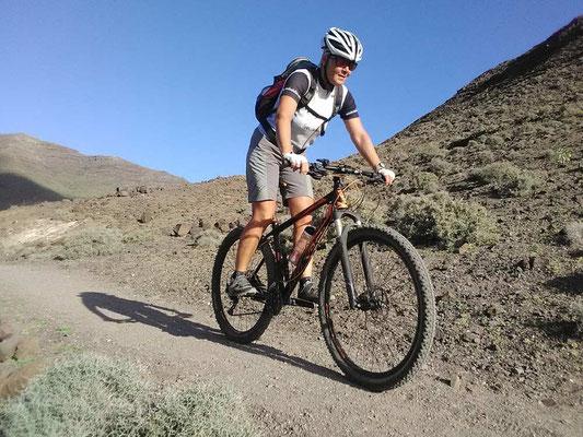 Mit dem Mountainbike Trek unterwegs auf Fuerteventura