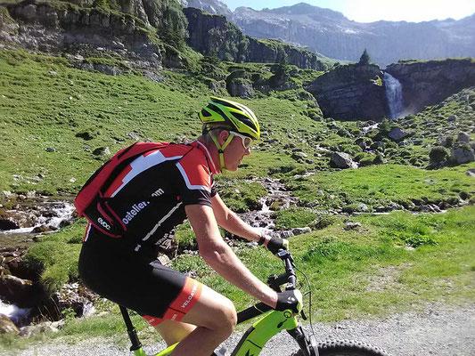Mit dem E-Mountainbike unterwegs im Berner Oberland