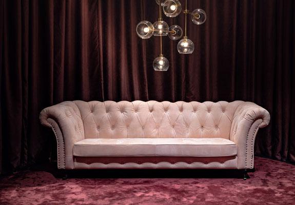 Churchill Sofa von Furninonva, ab Werk