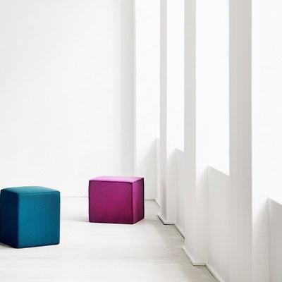 Sitzhocker farbig