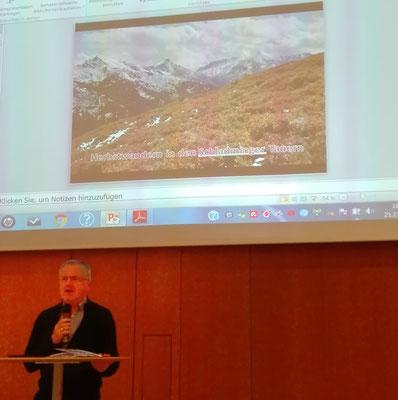 """Franz Oppenauer präsentierte Fotos mit dem Thema """"Herbstwandern in den Schladminger Tauern"""""""