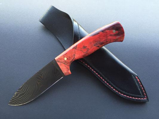 Jagdmesser aus 50 Lagen Torsion DLC-Beschichtet rostfrei, Griff rot stabilisierte gestockte Buche