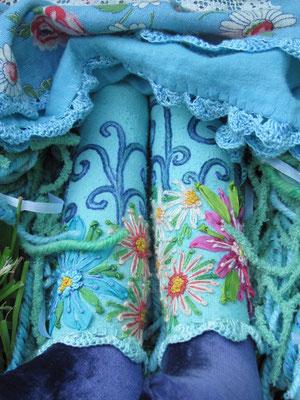 Flora. Detail of legs.